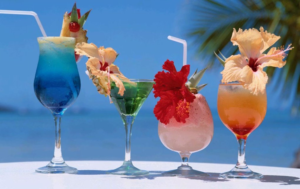 Decorate Cocktails And Drinks With Flowers