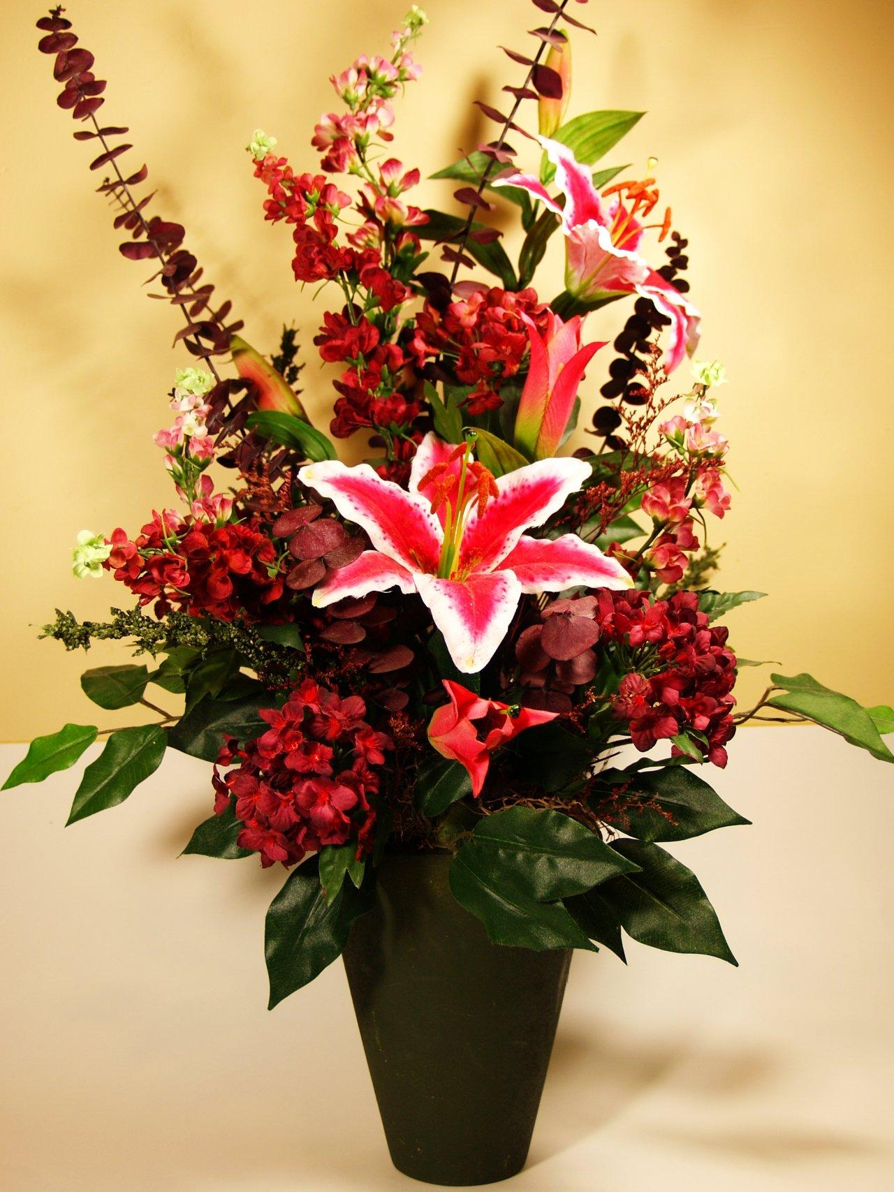 Tips For Storing Seasonal Wreaths Amp Silk Flowers Flower