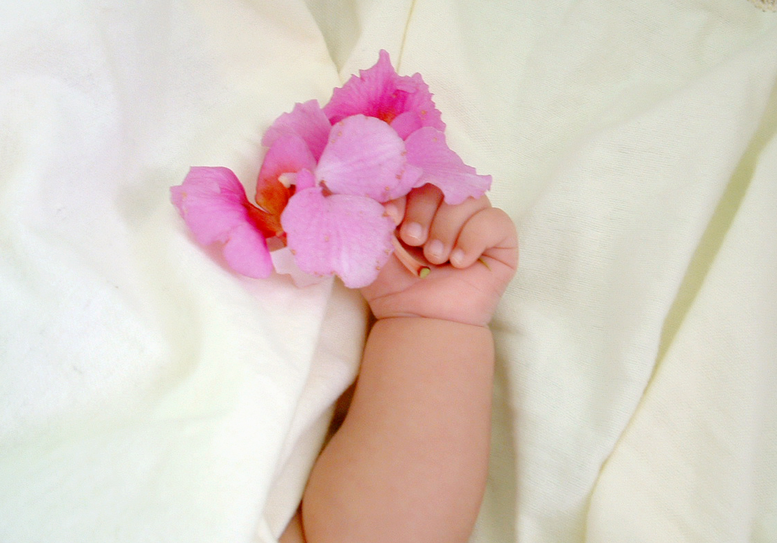 Silk flowers to welcome a new baby