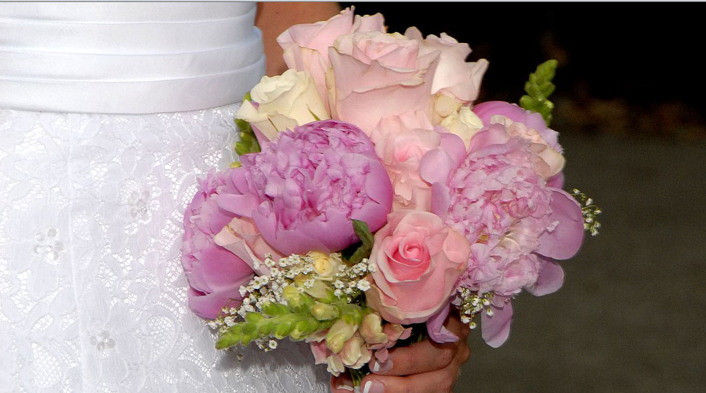 Should You Toss Your Bridal Bouquet Flower Pressflower Press