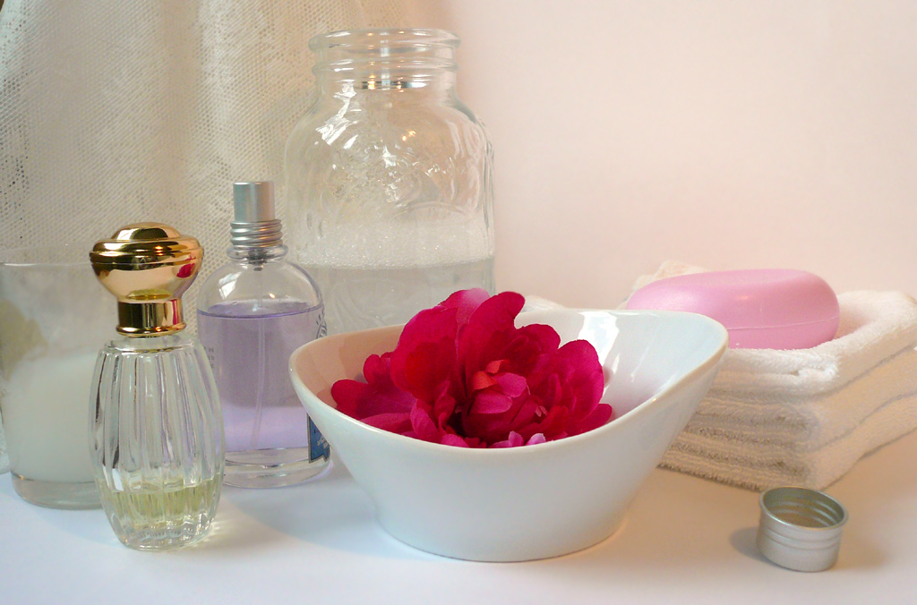 How to make a soothing flower bath - Flower PressFlower Press