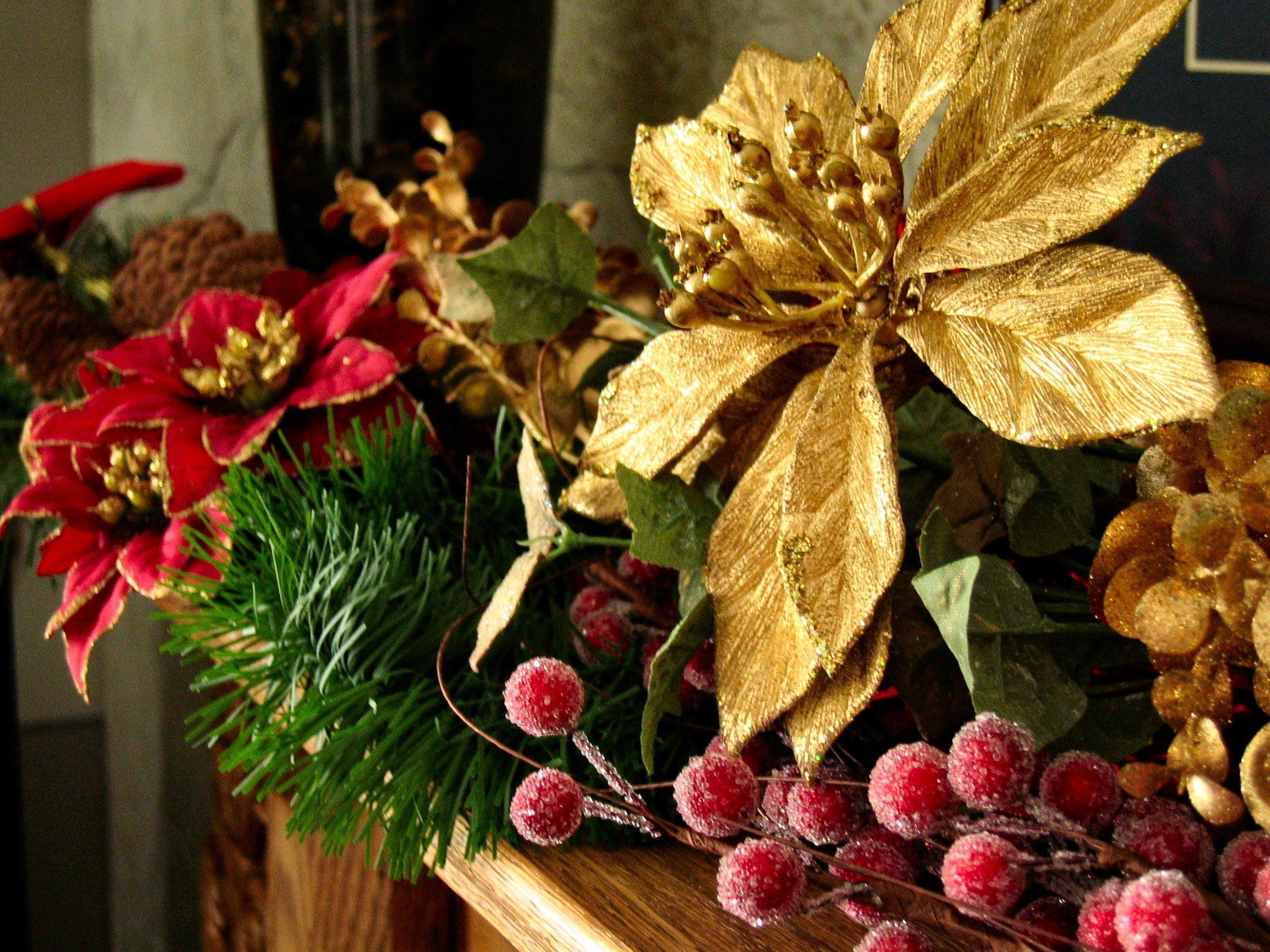 Festive flower arrangement ideas