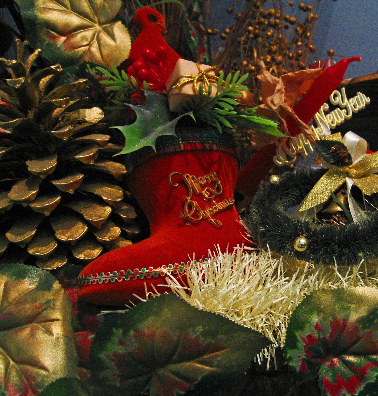 Christmas wall baskets