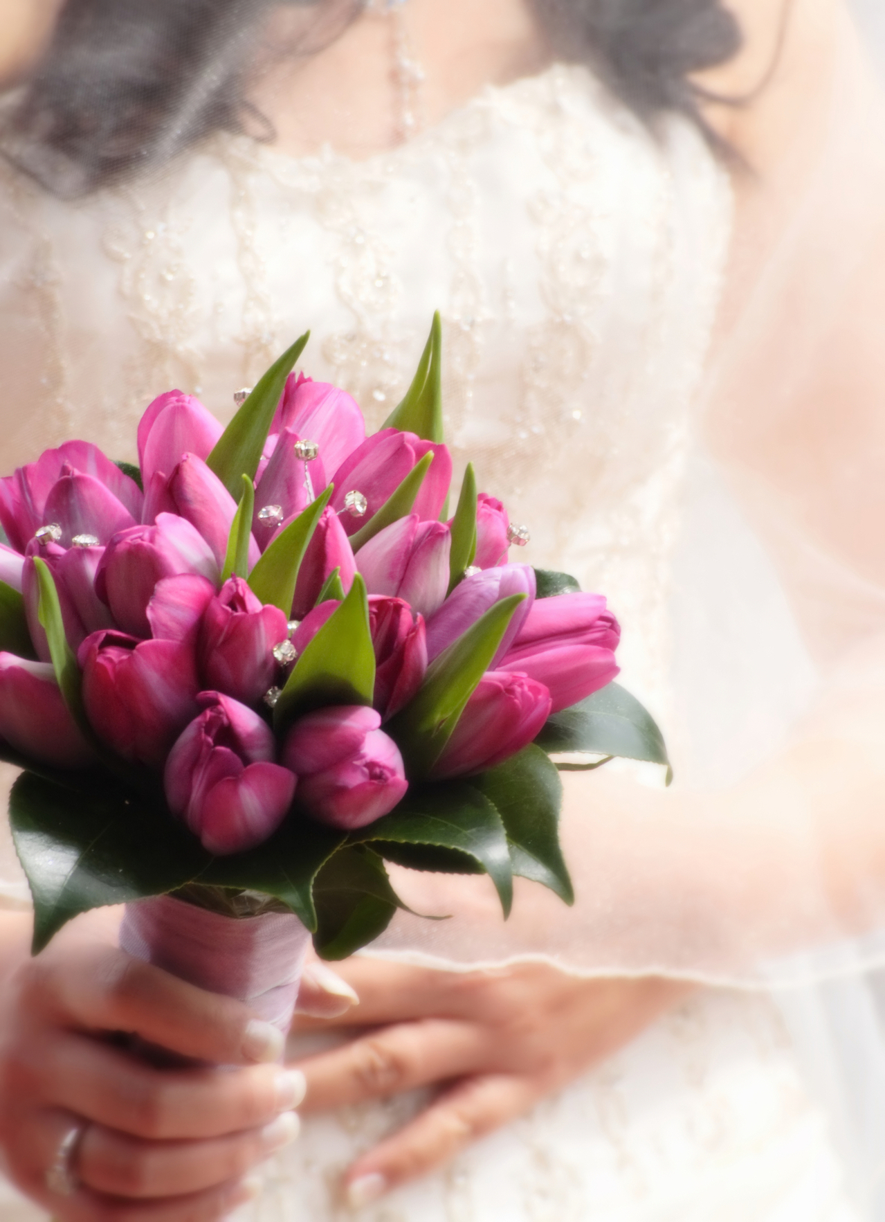 Your bridal bouquet - to toss or not to toss - Flower PressFlower Press