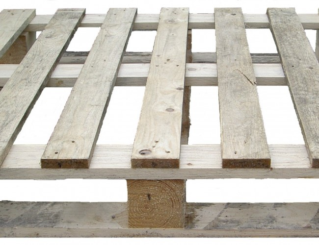 How to transform pallets into planters