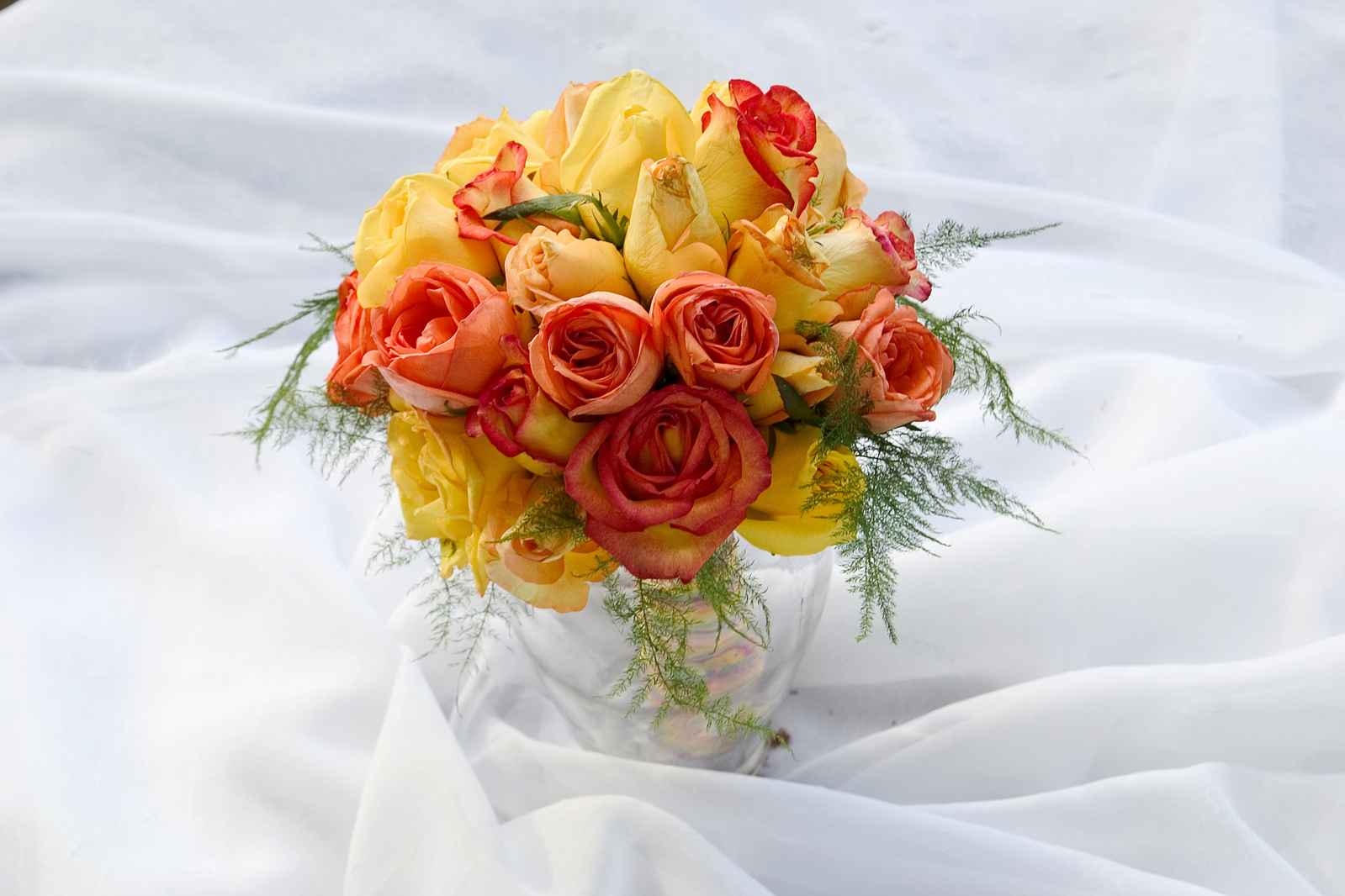 Orange blooms for your summer wedding