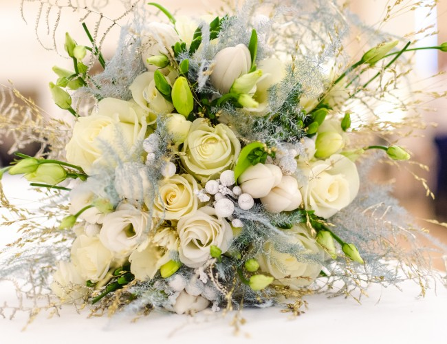 Combining silk and fresh flowers
