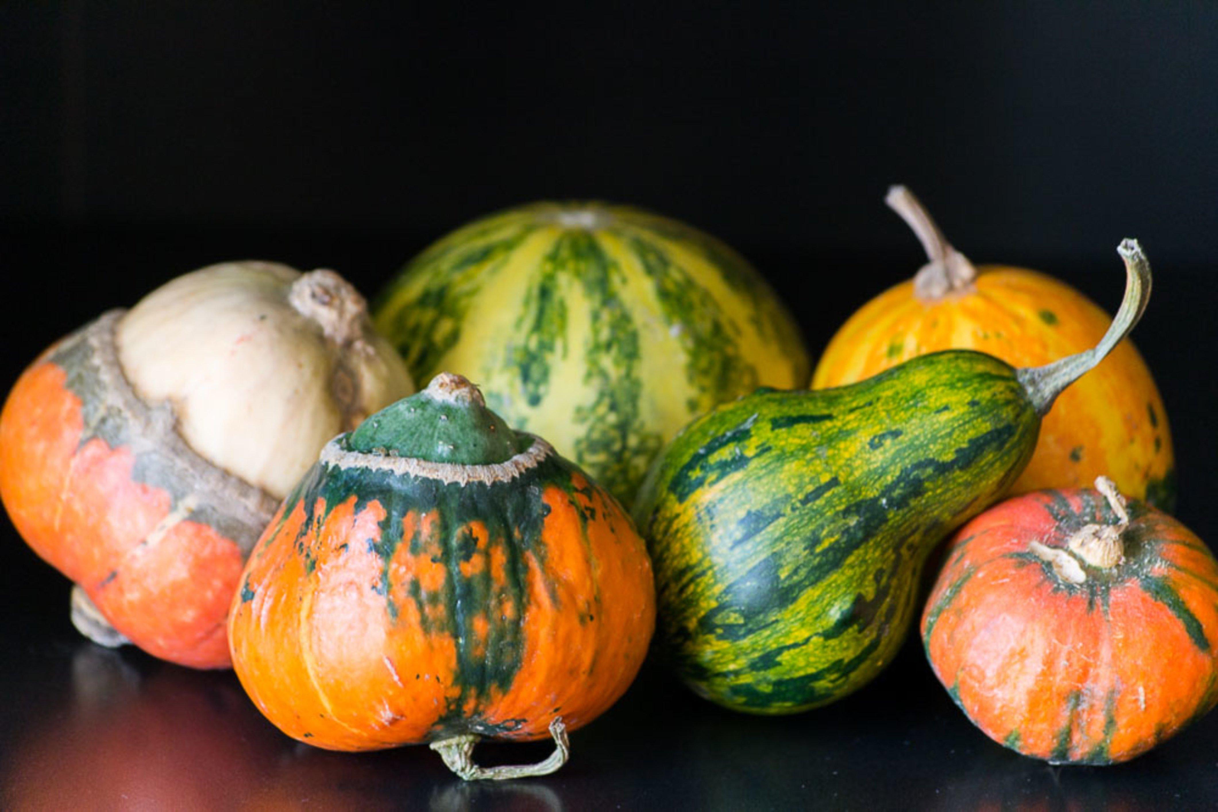 Use veggies to make vases