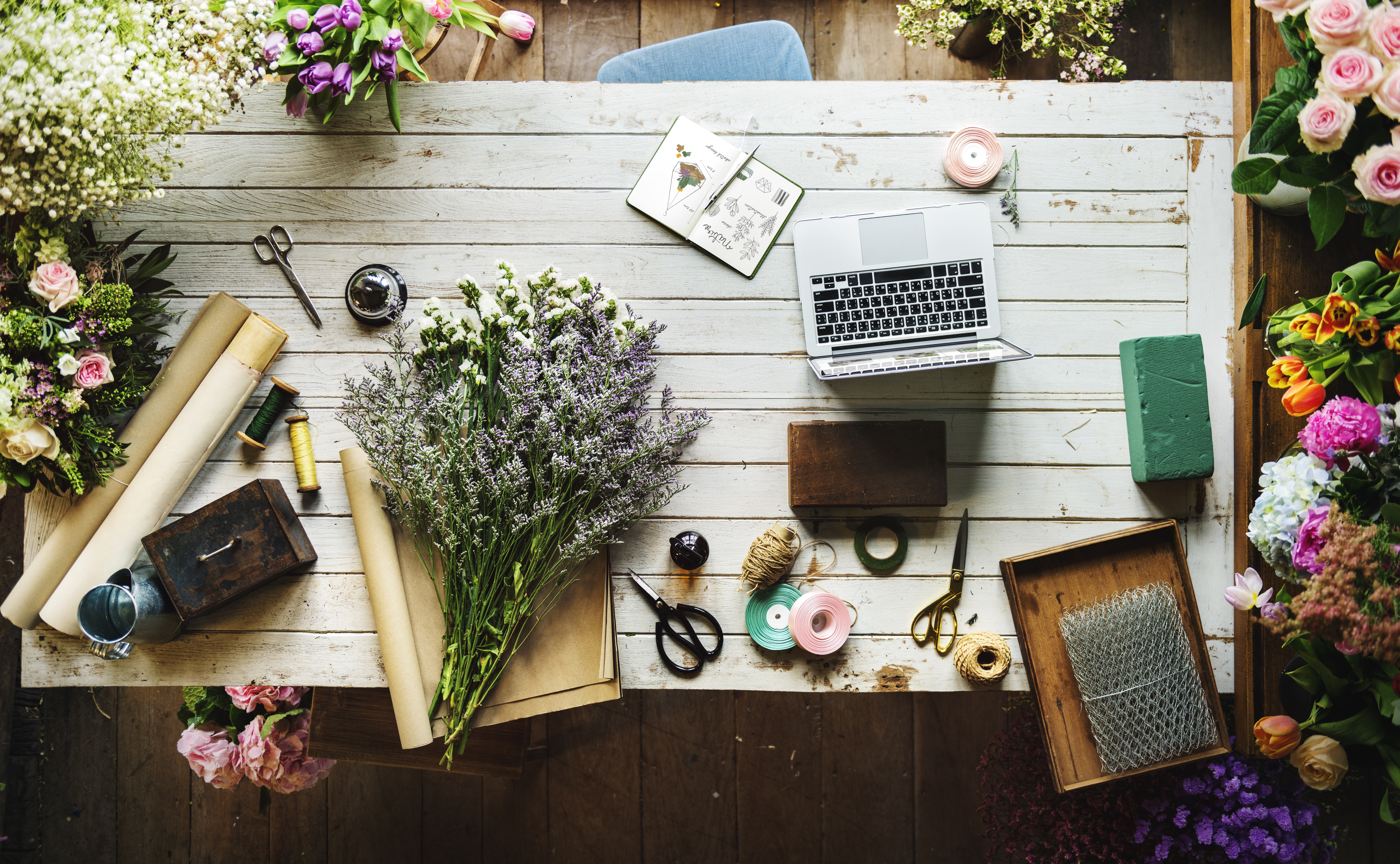 The basic supplies you need for flower arranging